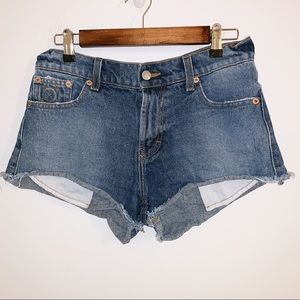 The laundry room California shorts excellent cond